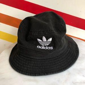 NEW Adidas bucket hat